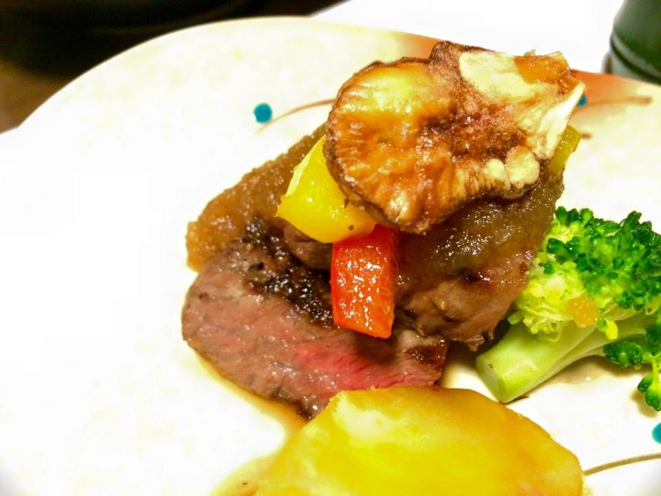美味しいお料理で場も一層盛り上がりました♪吉澤社長に感謝です