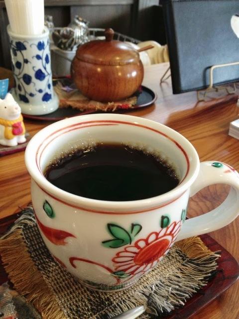 珈琲の他にも紅茶や甘味もおすすめね