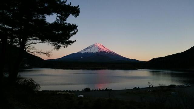 精進湖からの富士山夕焼けがすばらしい