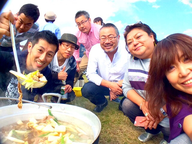 昨年の仲間との芋煮会の様子~♪ 楽しかったな~