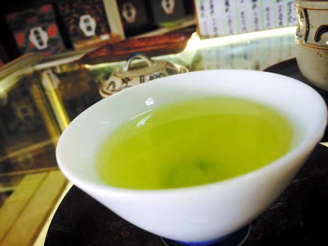 いたさか茶舗さんの社長さんがいれてくださったお茶が優しい味で…