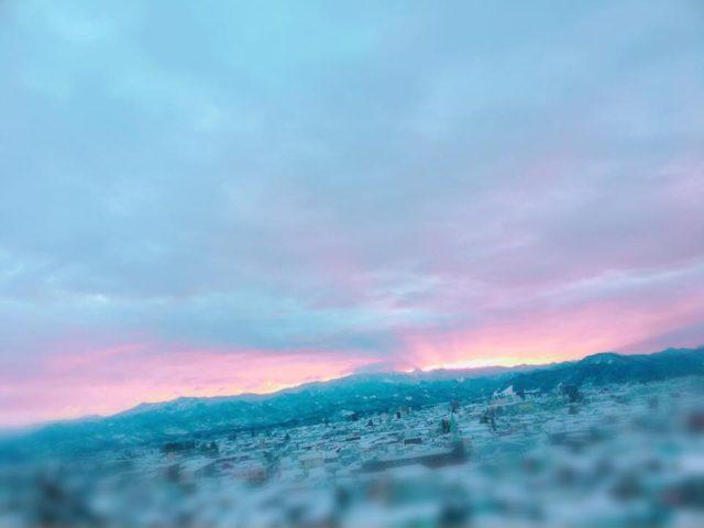 今朝の日の出 でも雲が厚くて太陽をみることはできませんでしたー