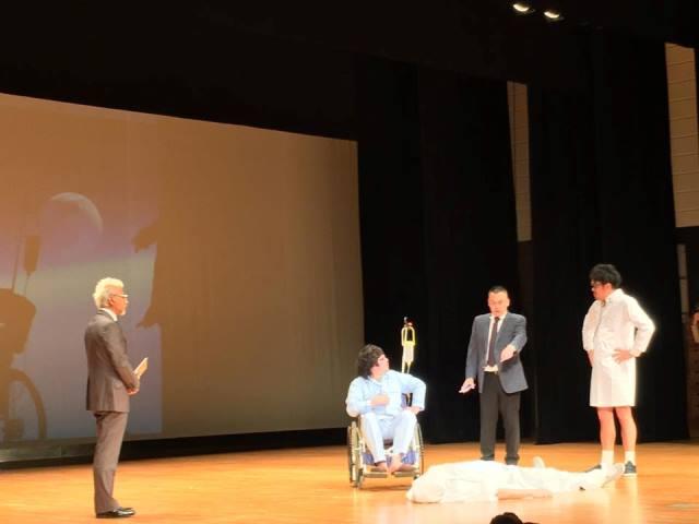 左から橋本さん、勝村さん、松林さん、短パン社長