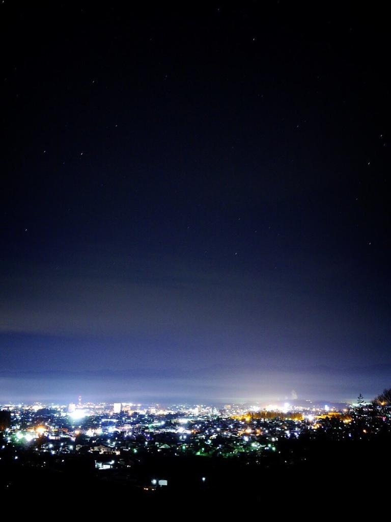 先日掲載していた米沢・御成山公園の夜景