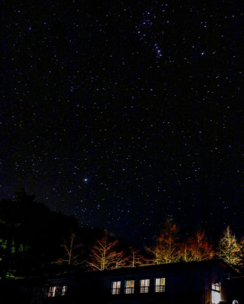 昨日のお客さまのお部屋の上の星空