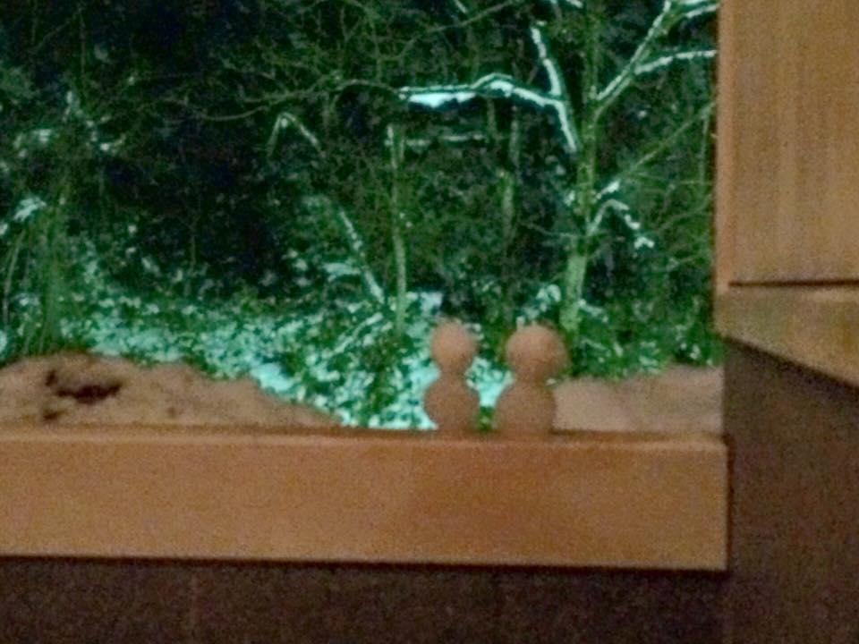 露天風呂で見つけた雪だるま♪