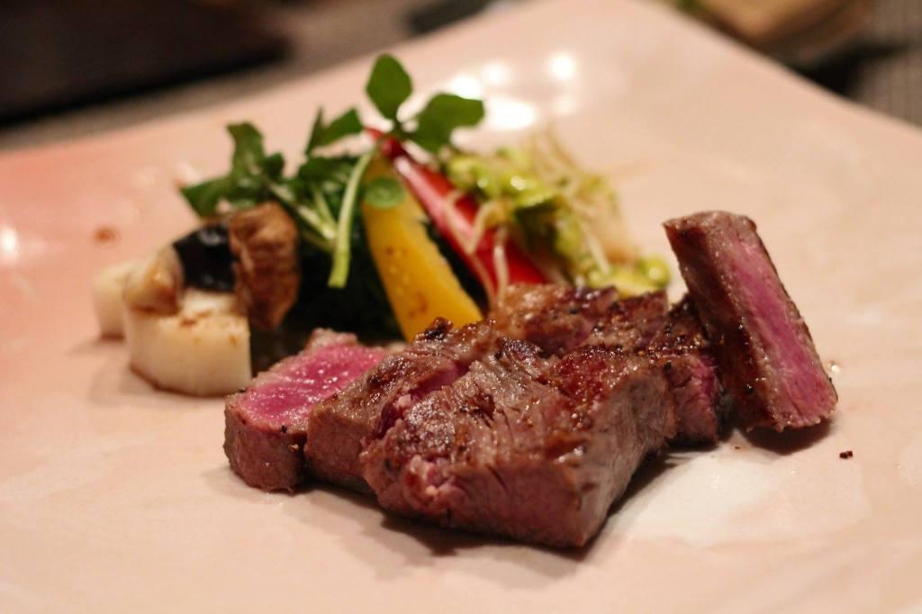 2014年最後の特別奨励賞受賞の米沢牛サーロインステーキ。